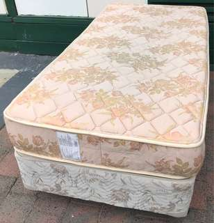 Excellent single bed base plus mattress. Pick up or delive