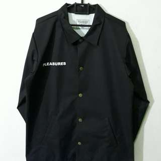 PLEASURES WILDSIDE COACH JACKET Size : M Kondisi : BNIP Detail or order Line @ : @hqn6018o (use @)