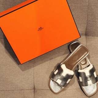 HERMĒS Oran Sandals