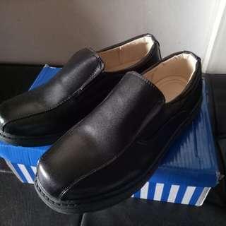 School shoes black