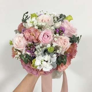 ROM bouquet in Pink roses and Eustomas / Pastel Bridal Bouquet Round