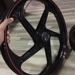 TSR M5 Rims Glossy Black for Spark 135