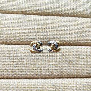 SOLD-916 GOLD CHANEL STUD