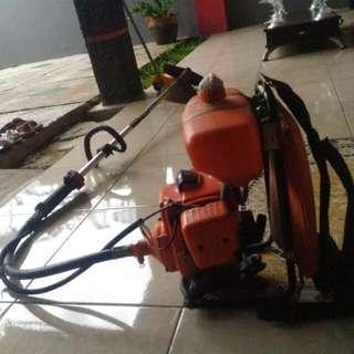 Mesin pemotong rumput