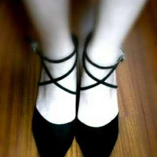 尖頭麂皮高跟鞋