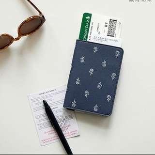 Passport cover/passport wallet