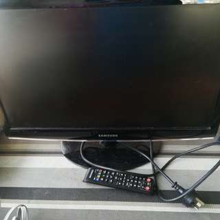 23' TV built in freeview