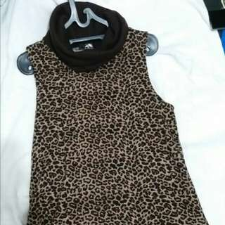 Dress leopard pendek
