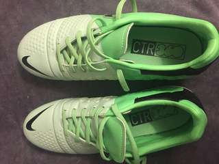 Cleats Nike CTR360 US size 8 mint