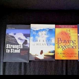 4 Bn Strength To Stand Naomi Dowdy  Kiss Of Heaven Darlene Czech Hillsong The Power Of Praying Together By Stormie Omartian Women in Ministry G12 networks  Claudia R. De Castellanos