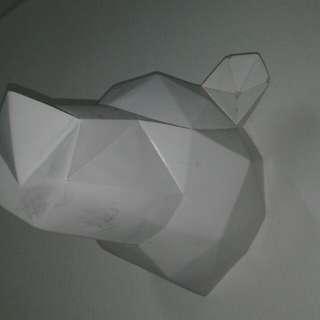 Polar bear n Rhinoser hanger