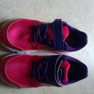 Pink Kalenji (Decathlon) trainers size 10 ¹/² (EU 29)