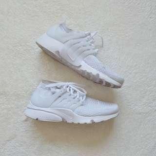Nike Presto Ultra Flyknit in White