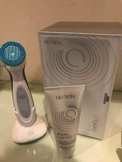 Nu Skin Lumi spa 2018年2月上市 2分鐘洗面機同時可深層清潔/卸妝/幫肌膚做運動
