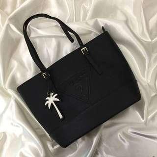 GUESS SHOULDER BAG ❤