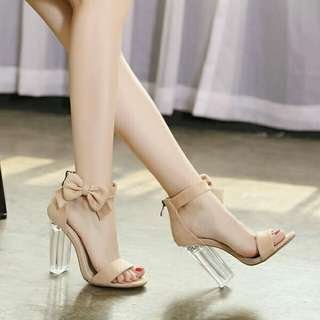Transparent crystal heels shoes