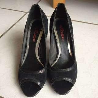 🚚 時尚拼接高跟鞋