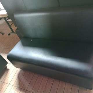Sofa hitam