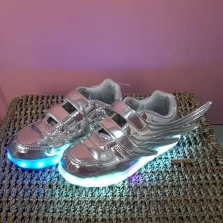 Sepatu Anak Lampu Rechargeable