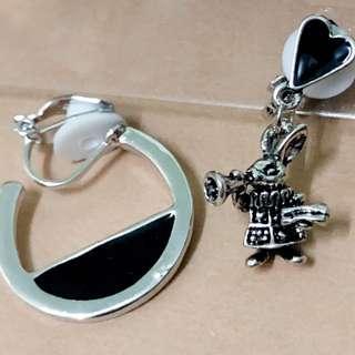 🚚 【夾式耳環】搶先上市--個性喇叭兔(銀黑色個性兔兔+個性圈)