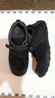 Sepatu Anak Sekolah Oshkosh