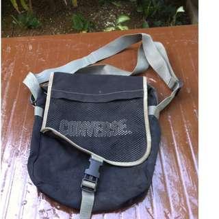 Converse bag. Dimension 35 x 26 x10cm. In good condition.
