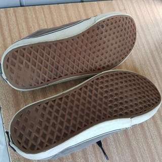 MENS/WOMANS VANS SHOES USED