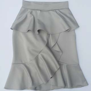 SALE!!ruffled skirt