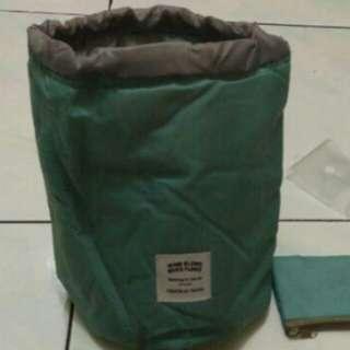 Travel dresser pouch organizer