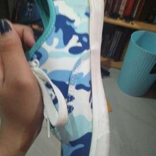 Rubber Shoes (flat)