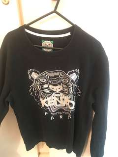 Kenzo jumper size large can suit a medium too