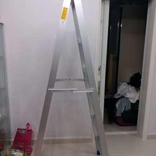 5格長鋁梯。全新