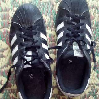 Sepatu main,sepatu sekolah