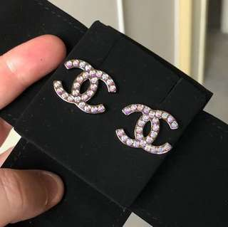 CHANEL 17K CC LOGO IRIDESCENT STUD EARRINGS