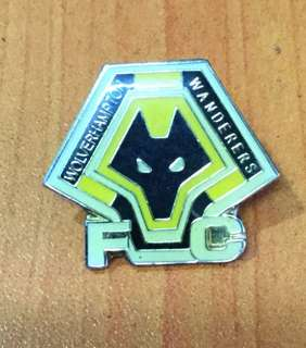 Collectibles...vintage WOLVERHAMPTON WANDERERS FOOTBALL CLUB PIN