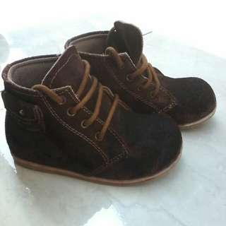 Sepatu no 24. Like new