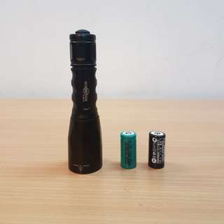 Flashlight Surefire Fury ( 2 RCR 123 battery included)