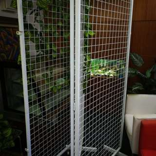 Fence Divider 3 Leaf (used 1 year)