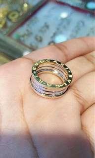 18k Bvlgari Ring size 5