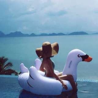 White swan float (150cm)