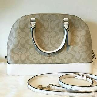Readystock. Authentic Coach Sierra in Siganture Light Khaki/Chalk