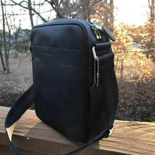 Readystock. Authentic Coach Flight Bag in Black