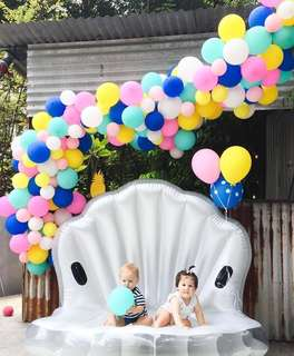 Balloon arch for kid's parties
