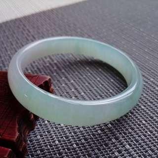 55圈口55.8*10.8*6.0(圈口53.8)特惠,冰糯種晴水綠貴妃手鐲,存在石紋,編號2010