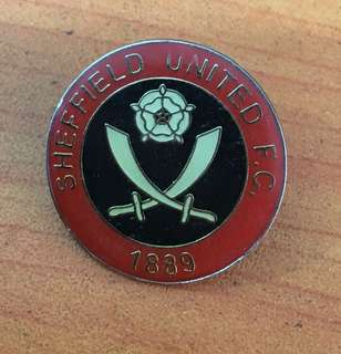 Collectibles...Vintage SHEFFIELD UNITED F.C FOOTBALL CLUB PIN