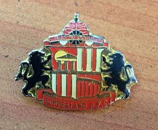 Collectibles...Vintage SUNDERLAND A.F.C FOOTBALL CLUB PIN