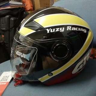 Helmet givi yuzy racing