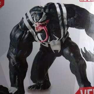 Gentle Giant 1/8 Venom Statue