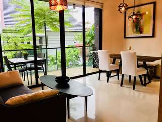 Charming 2 Bed/2 Bath Furnished Apartment with Parking
