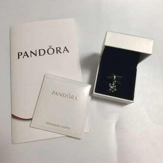 $319 Pandora 小天使丘比特 925銀 (這款已停產) 超可愛  只帶過一次,好新淨!禮物一流! 這 Pandora 串飾 做工精緻,值得珍藏👍🏻 有盒,有抹銀布 專門店買,絶對真品